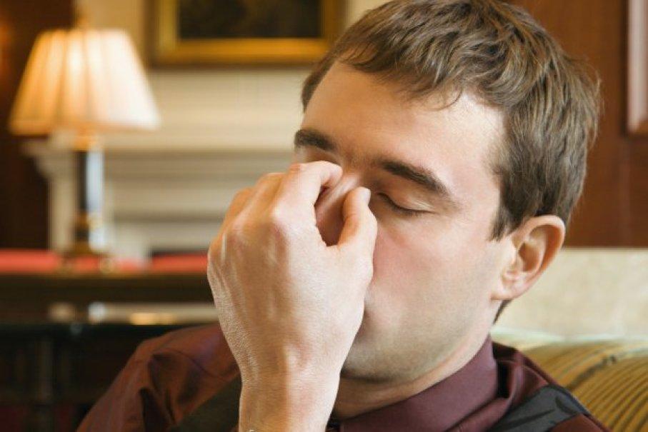 dolore agli occhi dopo infezione sinusale