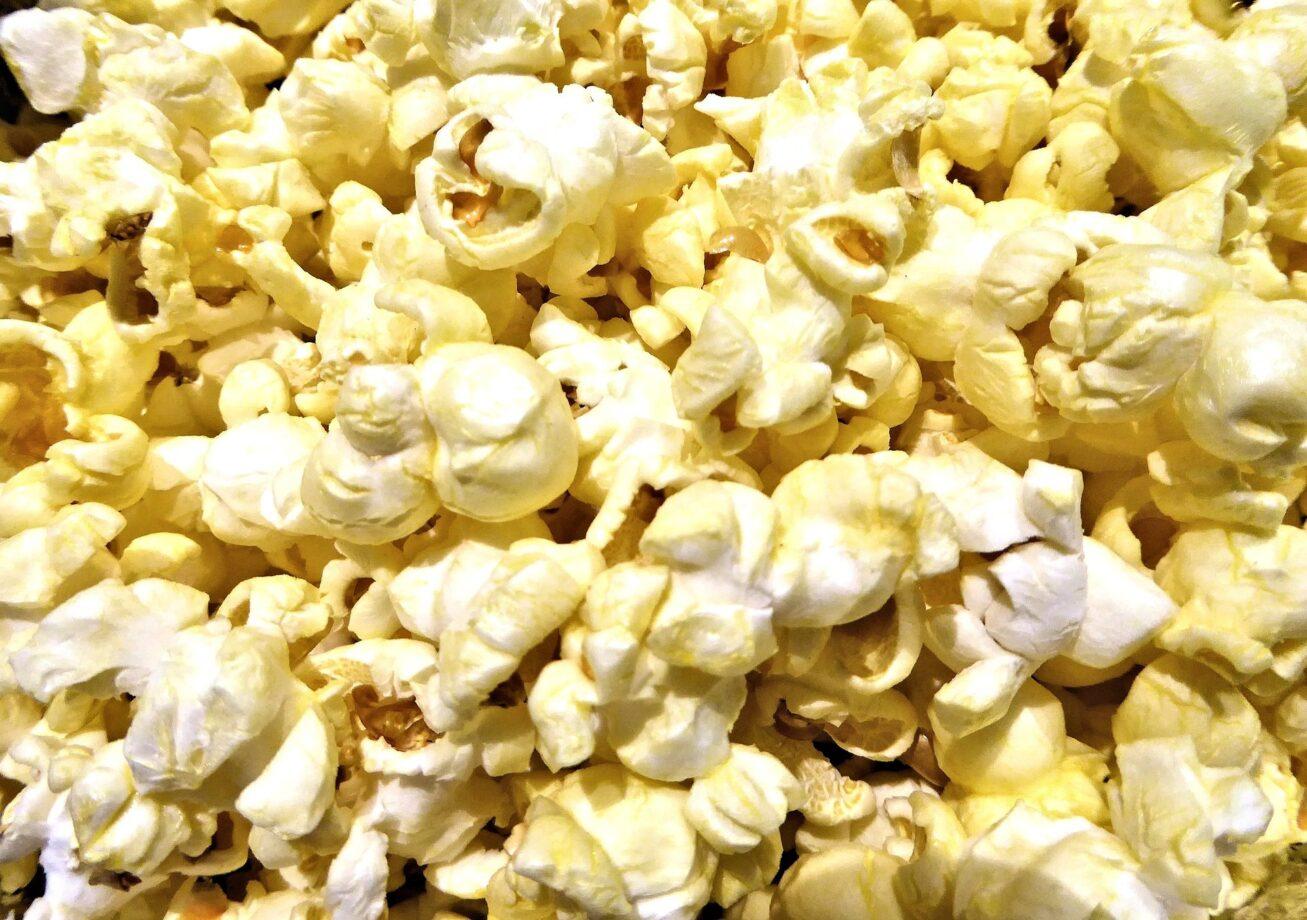 Popcorn, calorie e valori nutrizionali del tuo snack preferito da cinema e binge watching