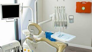 Perché rivolgersi al dottor Raffaele Papa per curare la parodontite